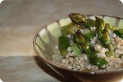 Lauwarmer Buchweizen-Spargel-Salat