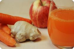 Rüebli-Apfel-Ingwer-Drink