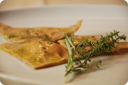 Ravioli mit Frischkäse und Kräutern