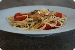 Spaghetti mit Mandeln und Tomaten