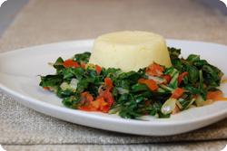 Kenianischer Spinat mit Ugali