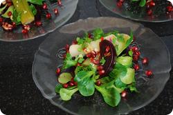 Nüsslisalat mit Lauch und scharfen Randen