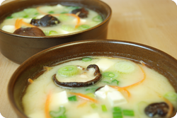 Misosuppe mit Seidentofu