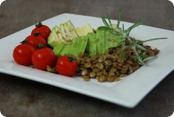 Linsen-Avocado-Teller