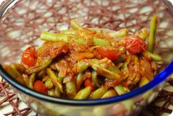 Bohnen-Tomaten-Zwiebel-Salat
