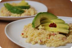 Scharfer Couscoussalat mit Avocado
