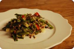 Wildreissalat mit kunterbunten Sachen