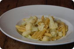 Weisse Blumenkohl-Pasta