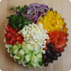 Griechischer Salat-Buddha-Bowl