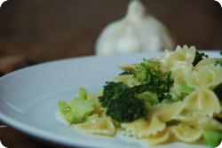 Drei-Knoblauch Pasta mit Broccoli