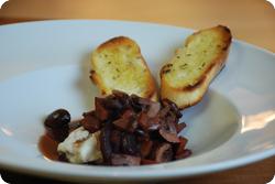 Pilze in Rotweinsauce