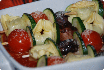 "<a href=""/recipes/250""><img alt=""Titelsschrift"" src=""/system/rectitles/CAPS_Tortellini-Spiesse.png?1282369076"" /></a>"